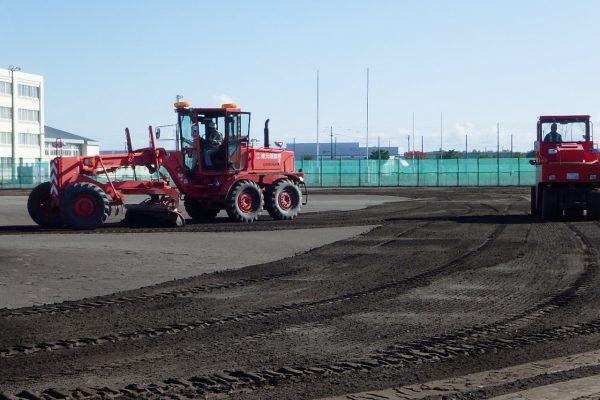 帯広工業高校野球グラウンドの整備活動を実施しました。